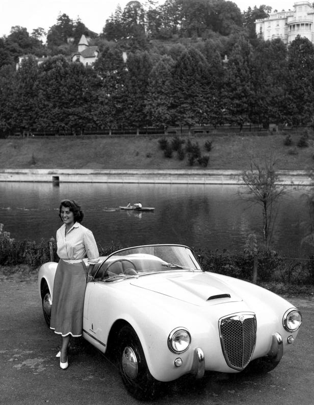 La Lancia Aurelia B 24 - Centro Storico Fiat