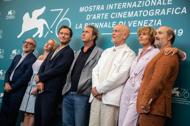 53334-Photocall_-_THE_NEW_POPE_-_Film_delegation__Credits_La_Biennale_di_Venezia_-_foto_ASAC___2_
