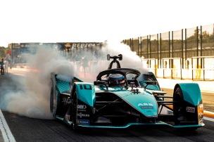 Sam Bird (GBR) Panasonic Jaguar Racing, Jaguar I-Type 5, does a burn out in the pit lane